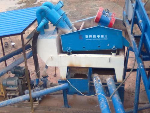 直线脱水筛是细砂回收装置的主要部件